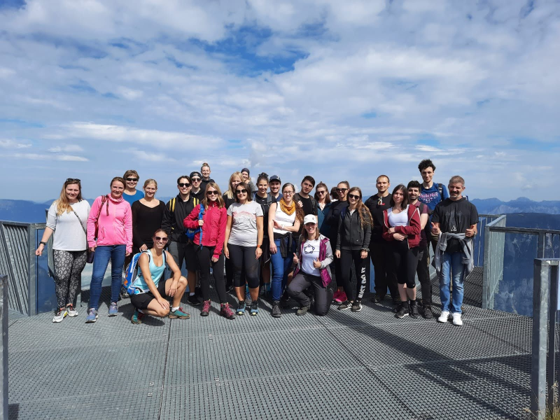 Group picture on the 5 fingers platform on the Austrian mountain Krippenstein.